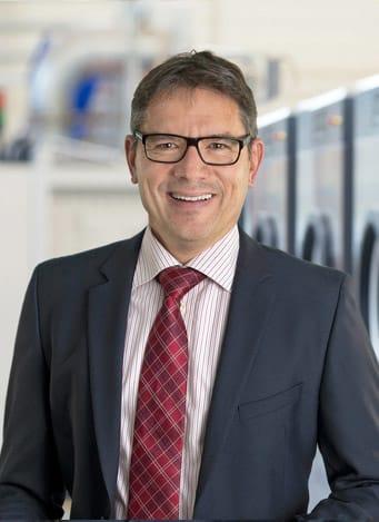 uber-uns-geschaftsleitung-CFO-Martin-Keller-schulthess