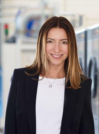 uber-uns-geschaftsleitung-Leiterin-Marketing-Nicole-Thier-schulthess