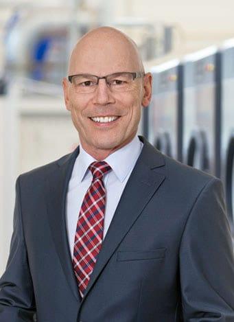 uber-uns-geschaftsleitung-CEO-Thomas-Marder-schulthess