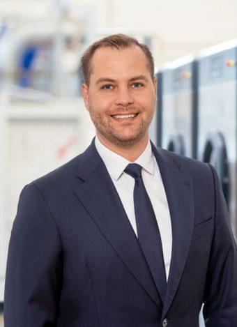 uber-uns-geschaftsleitung-Leiter-Professional-Samuel-Wildhaber-schulthess